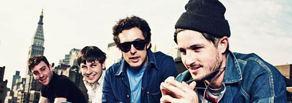 "Black Lips ""Underneath the rainbow"""